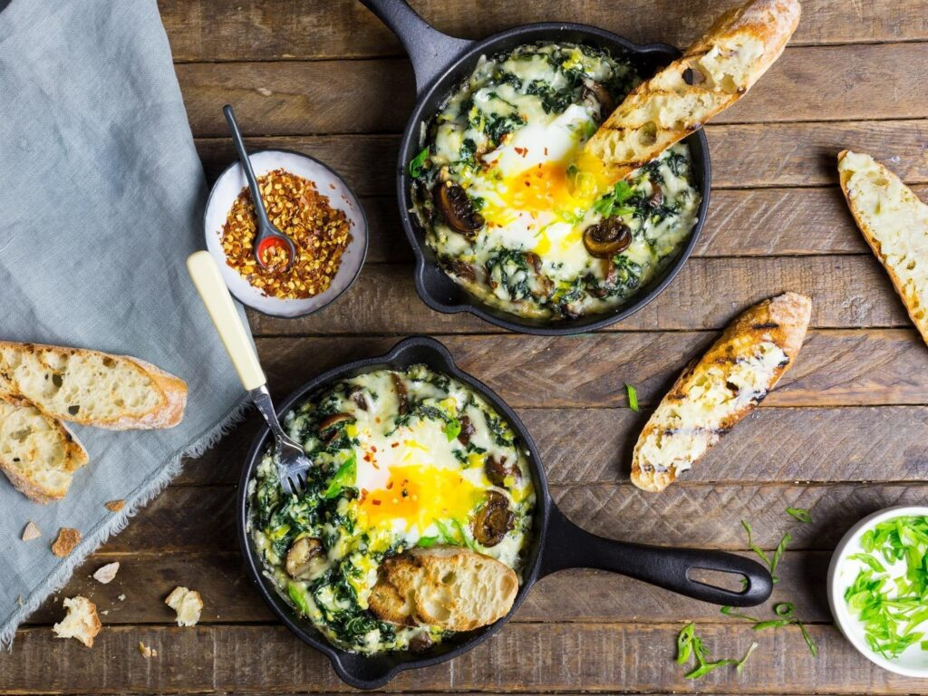 creamy-kale-and-eggs